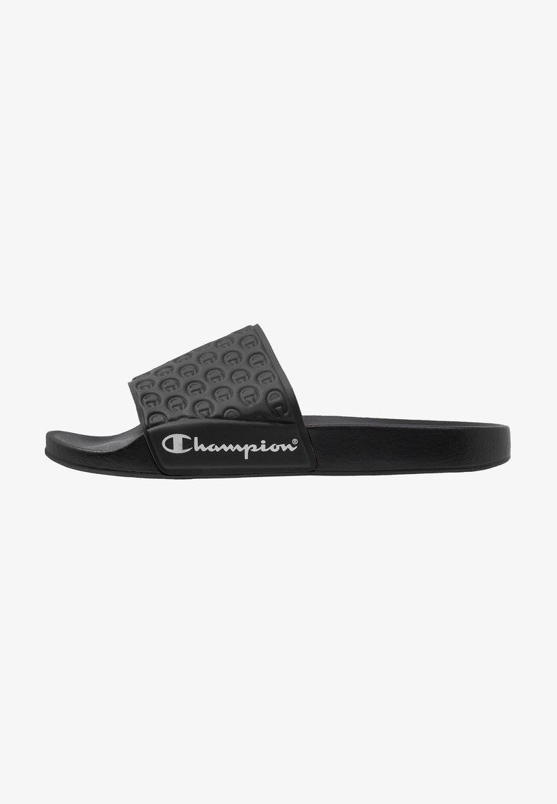 Champion - SLIDE PRIDE - Sandales de bain - black