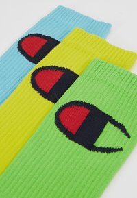 Champion - CREW SOCKS BIG LOGO 3 PACK - Chaussettes de sport - light green/yellow - 2