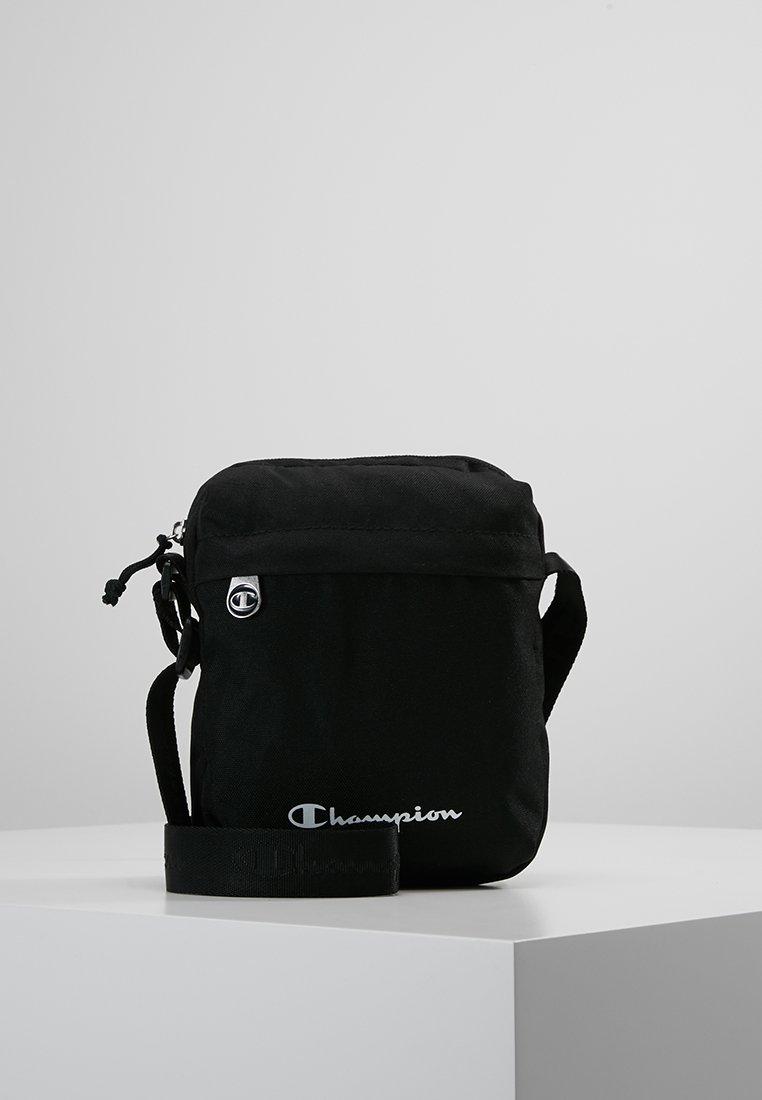 Champion - SMALL SHOULDER BAG - Umhängetasche - black