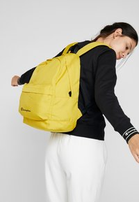Champion - BACKPACK - Rucksack - mustard yellow - 5
