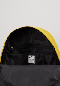 Champion - BACKPACK - Rucksack - mustard yellow - 4