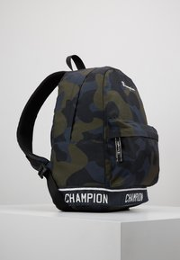 Champion - BACKPACK - Tagesrucksack - olive - 3