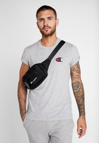 Champion - BELT BAG - Ledvinka - black - 5