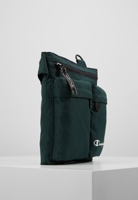 Champion - MEDIUM SHOULDER BAG - Sac bandoulière - dark green - 3
