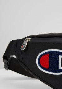 Champion - BELT BAG ROCHESTER - Bandolera - black - 7