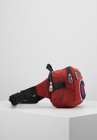 Champion - BELT BAG TRIPLE - Bandolera - red - 3