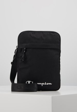 LEGACY MEDIUM SHOULDER BAG - Axelremsväska - black
