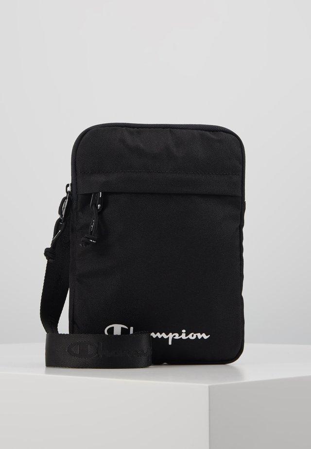 LEGACY MEDIUM SHOULDER BAG - Across body bag - black