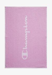 Champion - LEGACY TOWEL SMALL - Handdoek - pink - 0