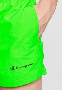 Champion - BEACHSHORT LEGACY - Swimming shorts - neon green - 3