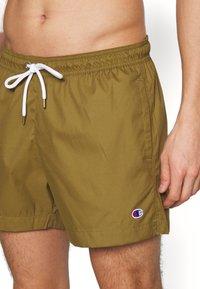 Champion - PREMIUM  - Shorts da mare - olive - 3