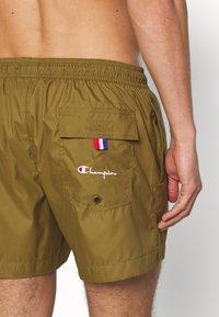 Champion - PREMIUM  - Shorts da mare - olive - 1