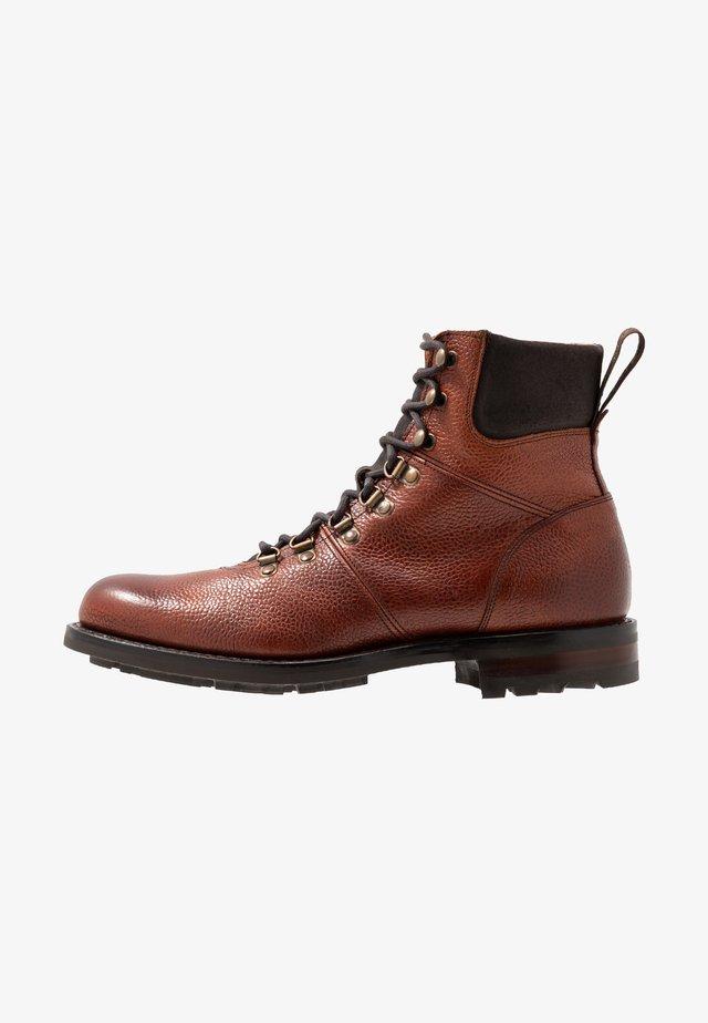 INGLEBOROUGH - Šněrovací kotníkové boty - mahogany
