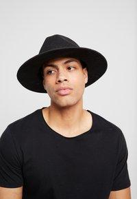 Chillouts - LOUIS HAT - Hat - black - 1