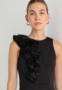 Coast - WOW CORSAGE MONO SHIFT - Shift dress - black - 4