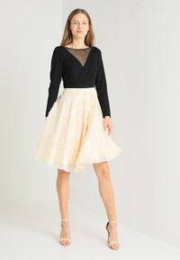 Coast - KATERINA FIT AND FLARE SEQUIN DRESS - Jersey dress - black - 1
