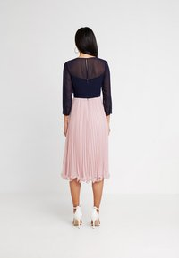Coast - ZOE LADDERDETAIL MIDI DRESS - Cocktail dress / Party dress - rose - 3