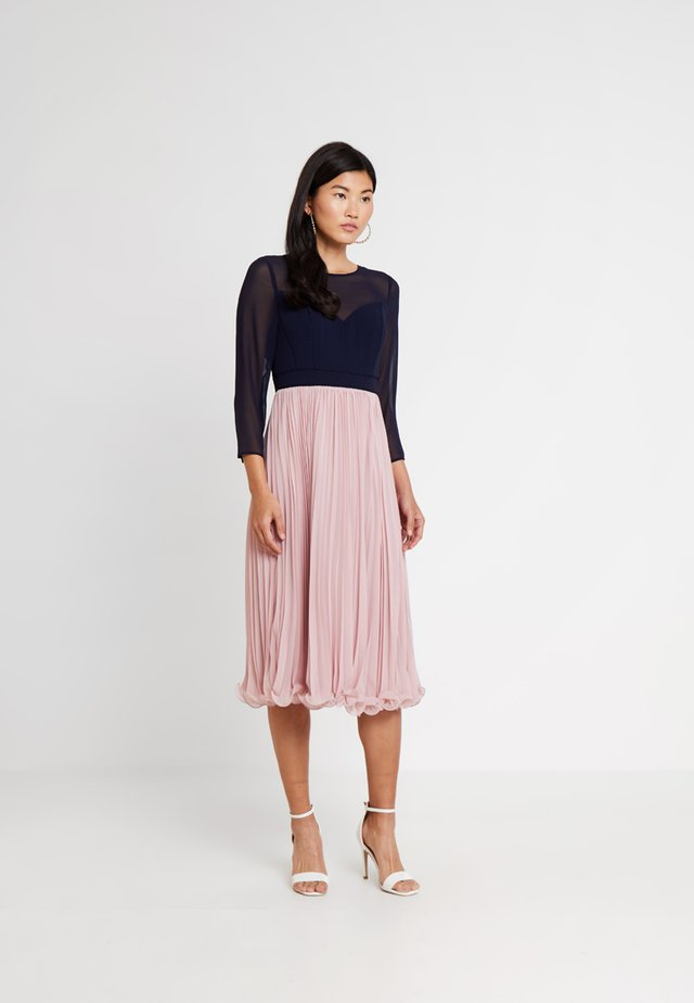 ZOE LADDERDETAIL MIDI DRESS - Cocktail dress / Party dress - rose