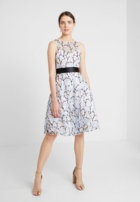 Coast - DANTE IVY EMBROIDERED DRESS - Cocktail dress / Party dress - blue - 1