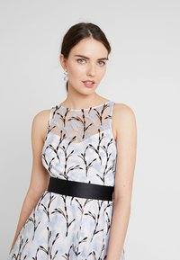 Coast - DANTE IVY EMBROIDERED DRESS - Cocktail dress / Party dress - blue - 3
