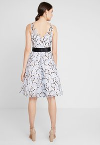 Coast - DANTE IVY EMBROIDERED DRESS - Cocktail dress / Party dress - blue - 2