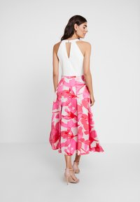 Coast - CAROLYN DRESS - Cocktail dress / Party dress - white/pink - 3