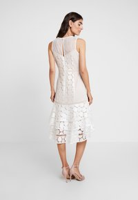 Coast - EVE GEO SHIFT - Cocktail dress / Party dress - ivory - 3