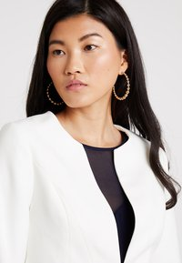 Coast - TESS CROP JACKET - Blazer - ivory