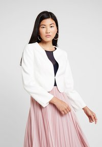 Coast - TESS CROP JACKET - Blazer - ivory - 0