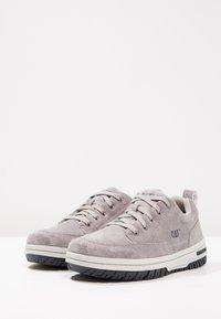 Cat Footwear - DECADE - Matalavartiset tennarit - frost grey - 2