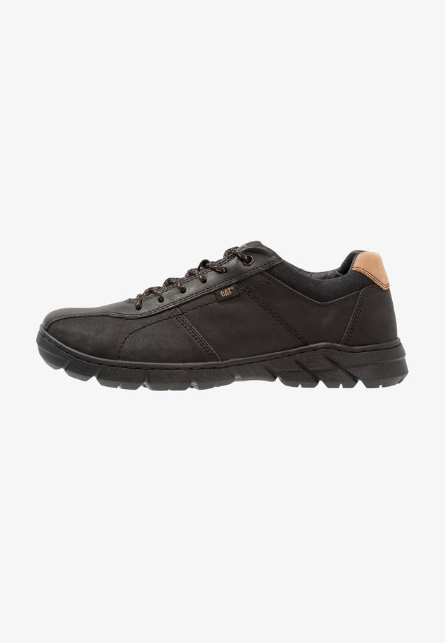 DEPICT - Trainers - black