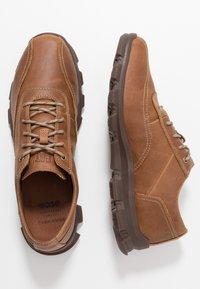 Cat Footwear - UPSURGE - Trainers - dry sands - 1