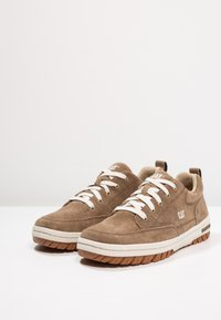 Cat Footwear - DECADE - Trainers - cub - 2