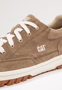 Cat Footwear - DECADE - Sneakers - cub - 5