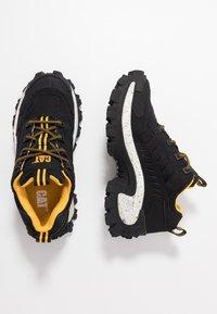 Cat Footwear - INTRUDER - Trainers - black - 1