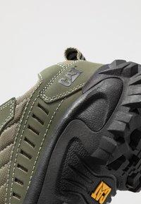 Cat Footwear - INTRUDER - Sneaker low - lichen green - 5