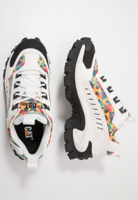 Cat Footwear - INTRUDER - Zapatillas - star white/yellow - 1