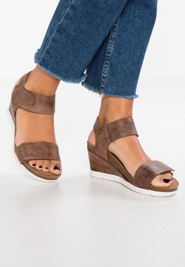 Platform sandals - camel west