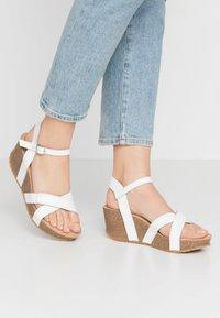 Ca'Shott - Sandály na platformě - bianco - 0