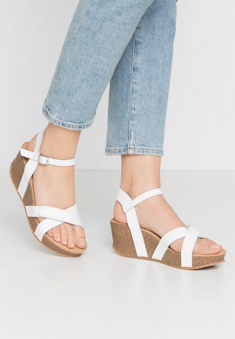 Ca'Shott - Sandály na platformě - bianco