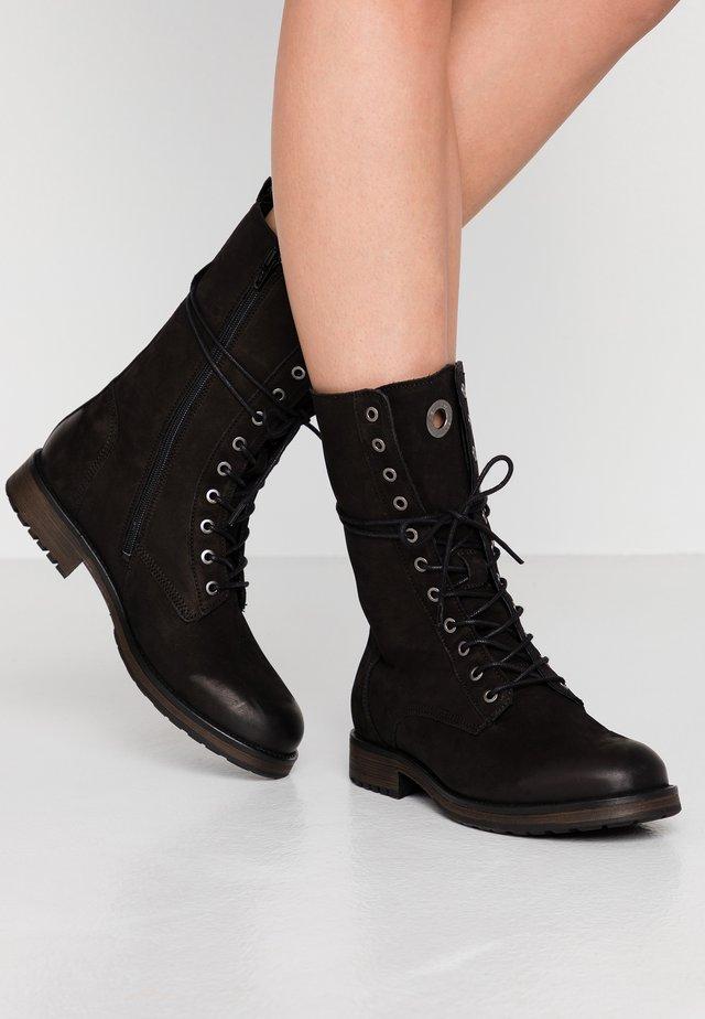 Winter boots - black bandolero