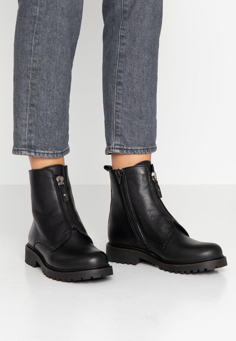 Ca'Shott - Classic ankle boots - black santorini