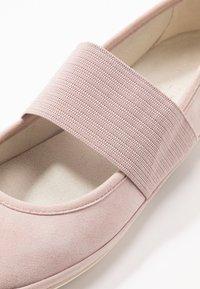 Camper - RIGHT NINA - Baleríny s páskem - pastel pink - 2
