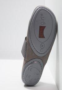 Camper - RIGHT NINA - Bailarinas con hebilla - medium gray - 6