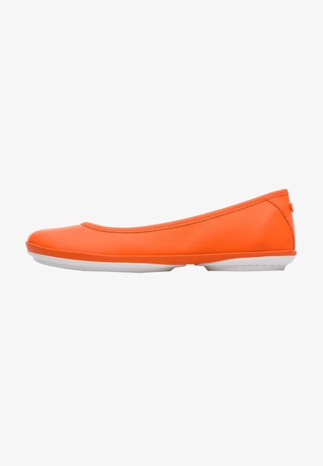 RIGHT NINA - Bailarinas - orange