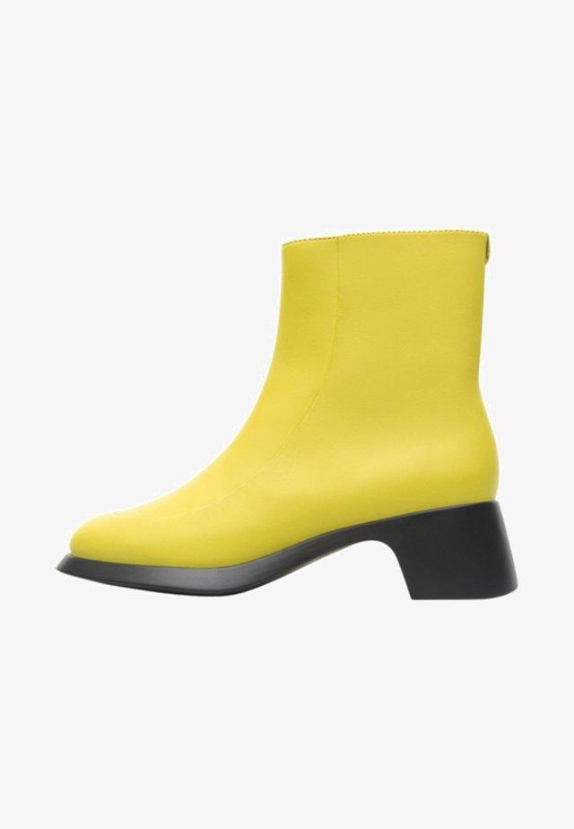 TRISHA - Botines bajos - yellow