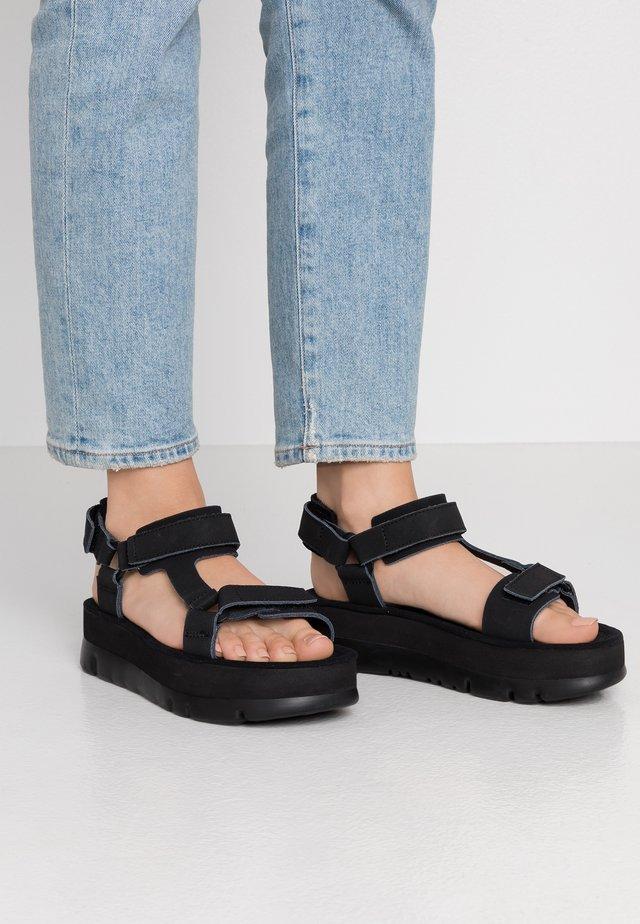 ORUGA - Sandalen met plateauzool - black