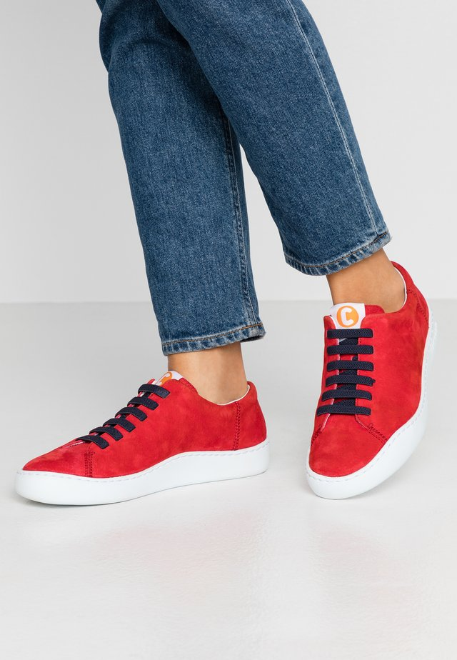 PEU TOURING - Trainers - medium red