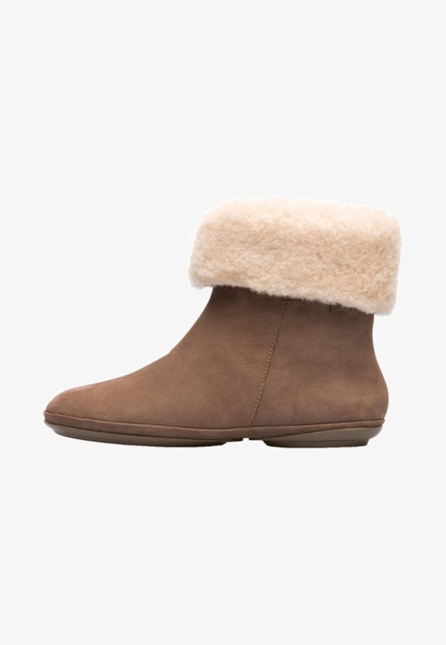 RIGHT NINA - Botas para la nieve - brown