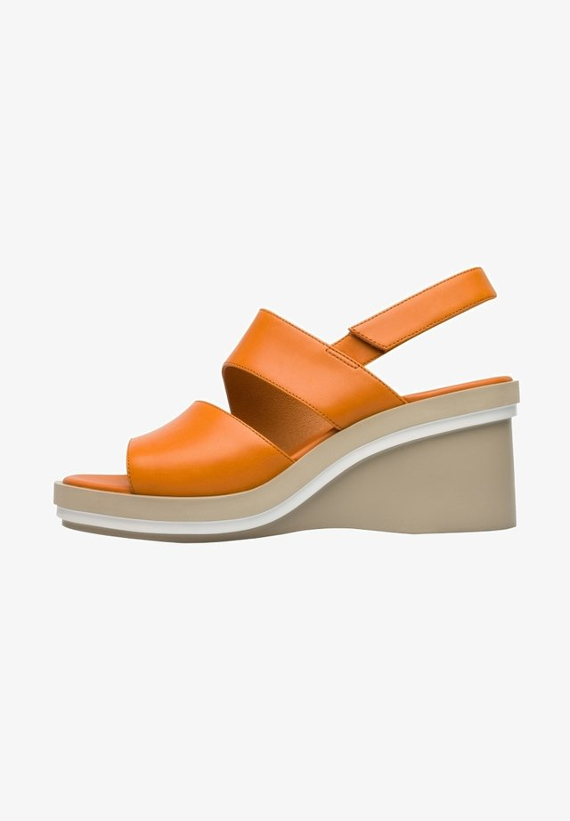 KYRA - Cuñas - orange